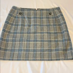 Banana Republic wool/polyester blend plaid skirt